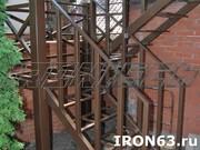 Металлическая лестница для дома и коттеджа - foto 3