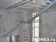 Металлическая лестница для дома и коттеджа - foto 4