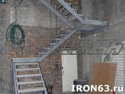 Металлическая лестница для дома и коттеджа - foto 7